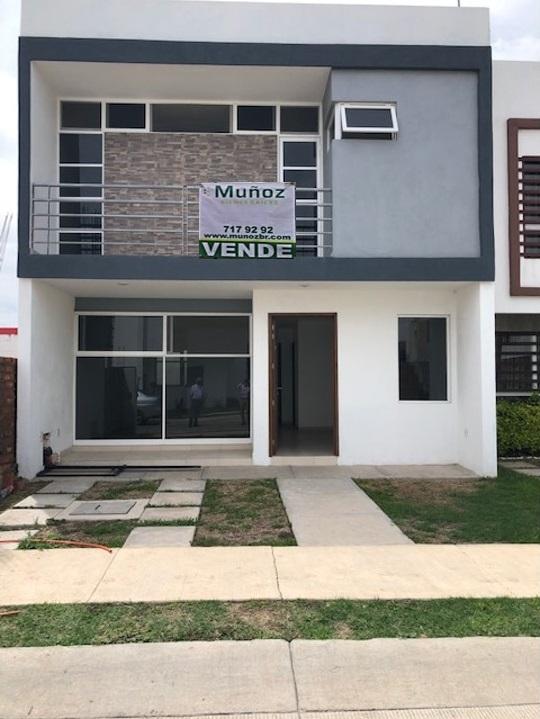 RESIDENCIAL ESMERALDA CASA EN VENTA